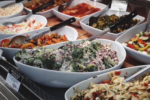 Image of Denninger's Foods of the World salad bar