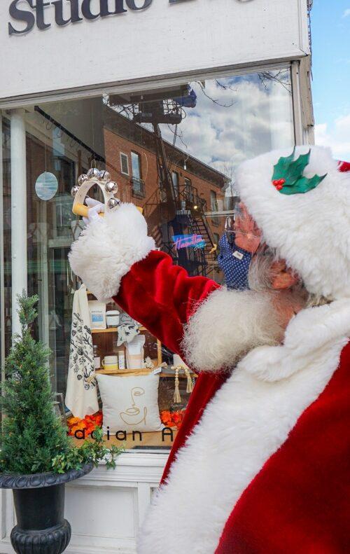 Santa holiday shopping in Hamilton